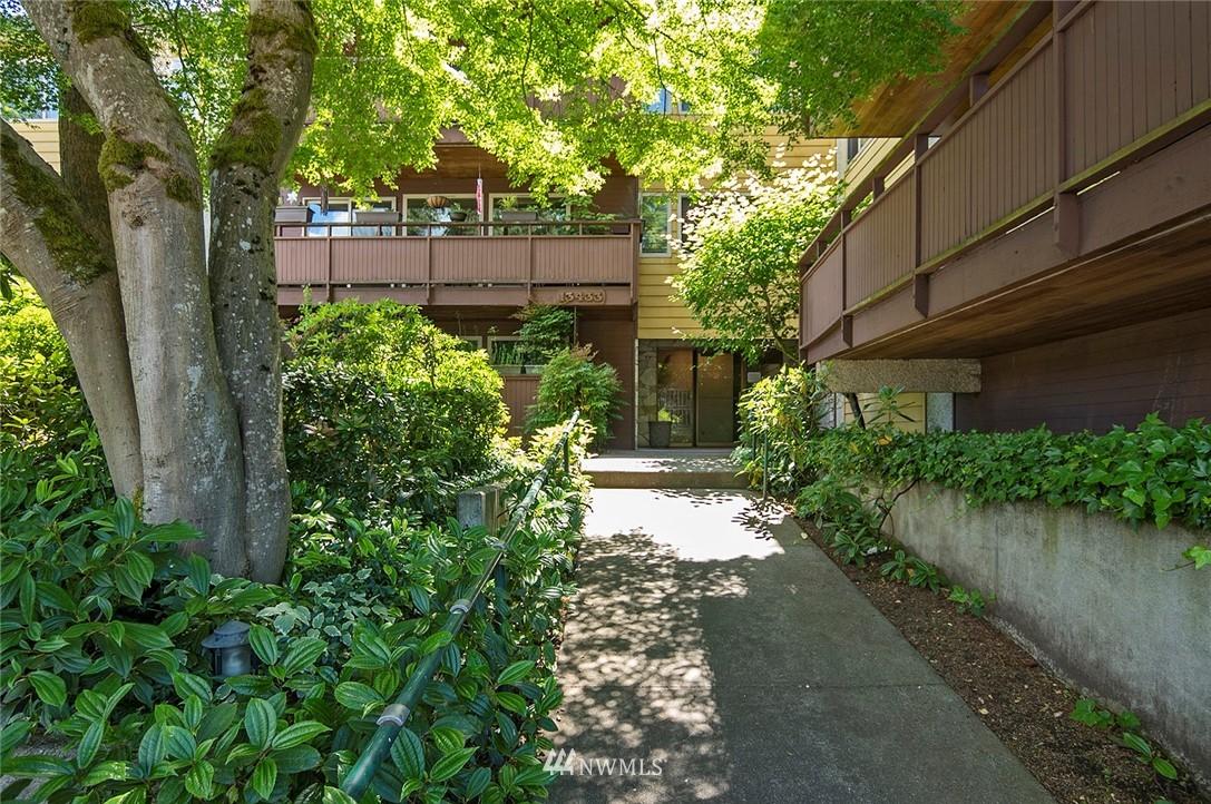 Pending   13433 Roosevelt Way N #106 Seattle, WA 98133 0