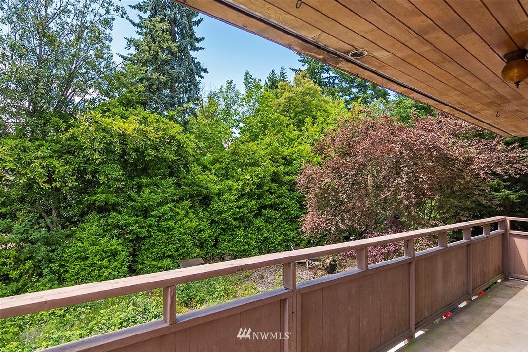 Pending   13433 Roosevelt Way N #106 Seattle, WA 98133 3