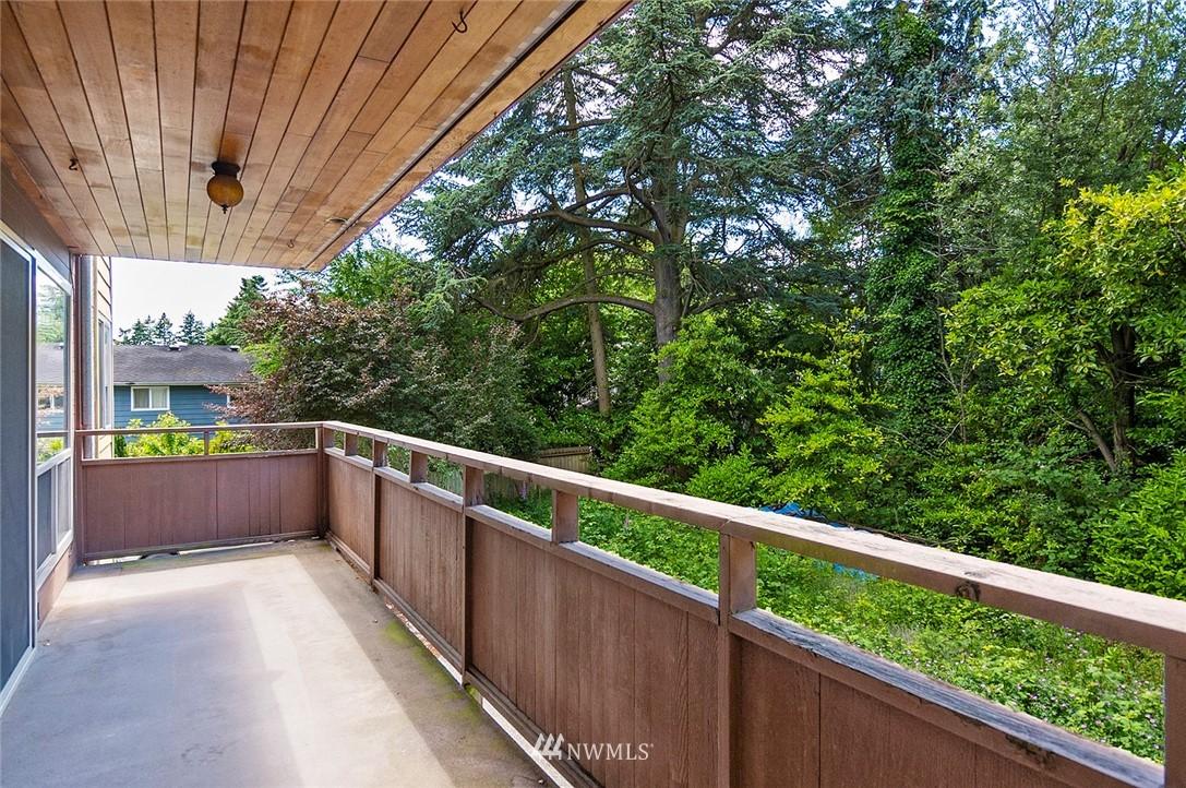 Pending   13433 Roosevelt Way N #106 Seattle, WA 98133 4