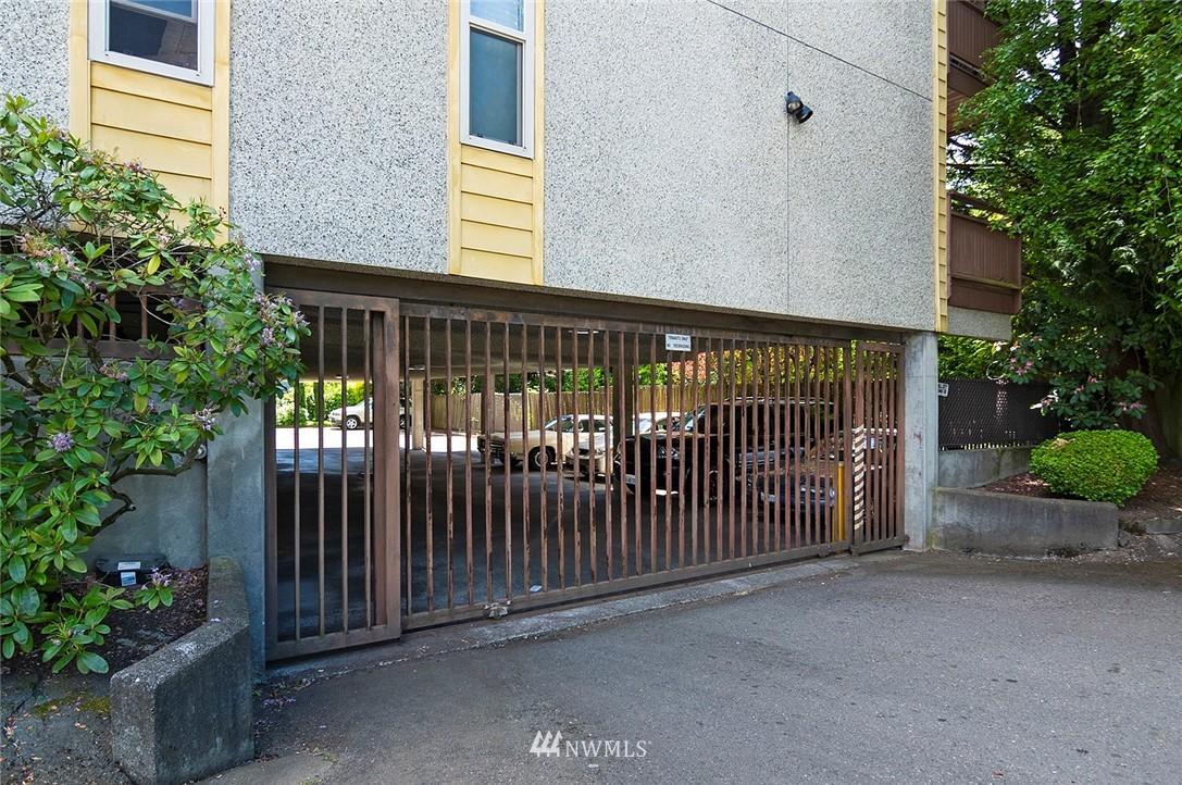 Pending   13433 Roosevelt Way N #106 Seattle, WA 98133 24