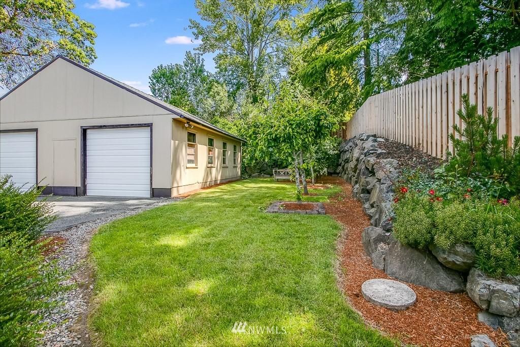 Active | 11232 Crestwood Drive S Seattle, WA 98178 28