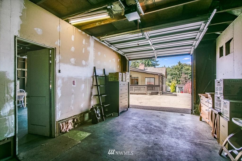 Active | 11232 Crestwood Drive S Seattle, WA 98178 33