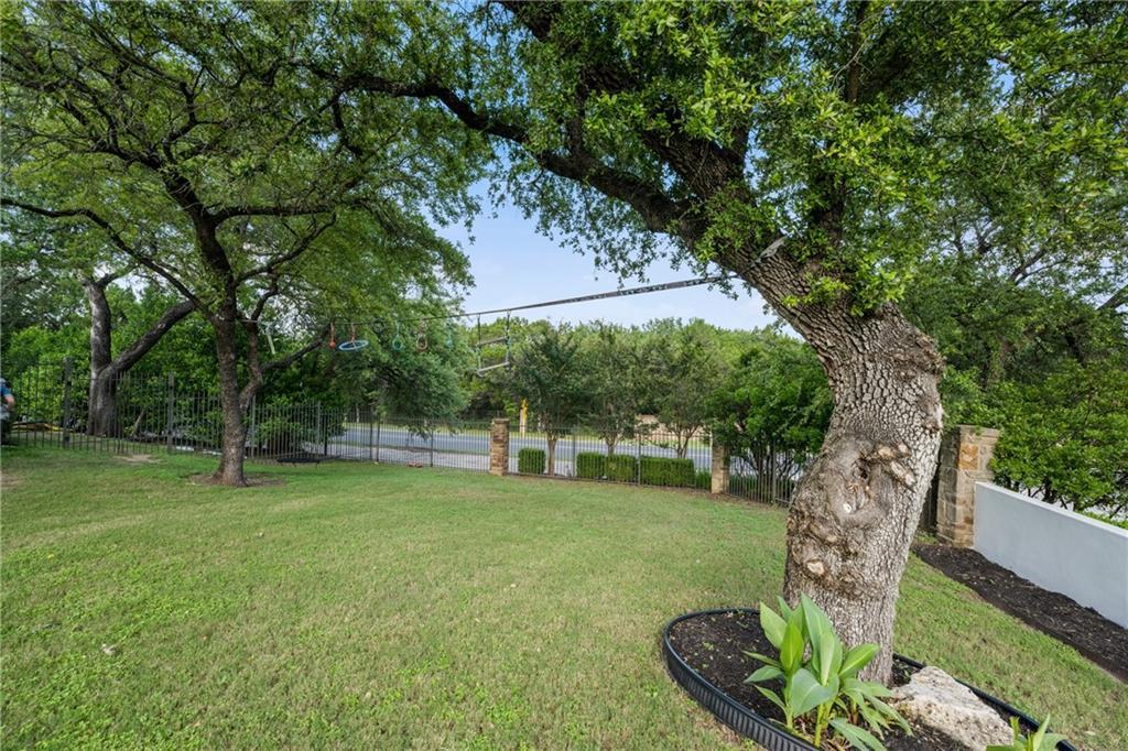 ActiveUnderContract   7600 Lazy River Cove Austin, TX 78730 15