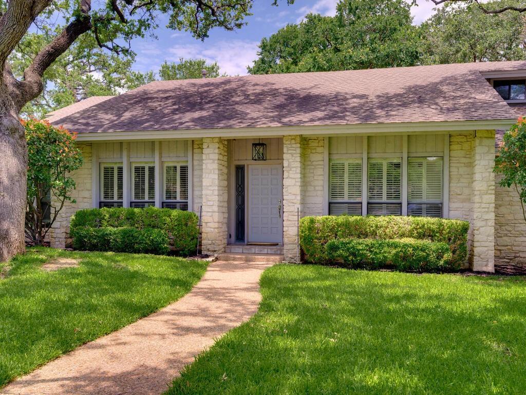 Active | 7805 Deer Ridge Circle Austin, TX 78731 1