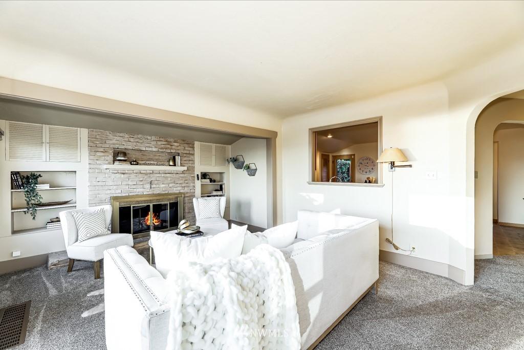 Sold Property | 7711 44th Avenue SW Seattle, WA 98136 4