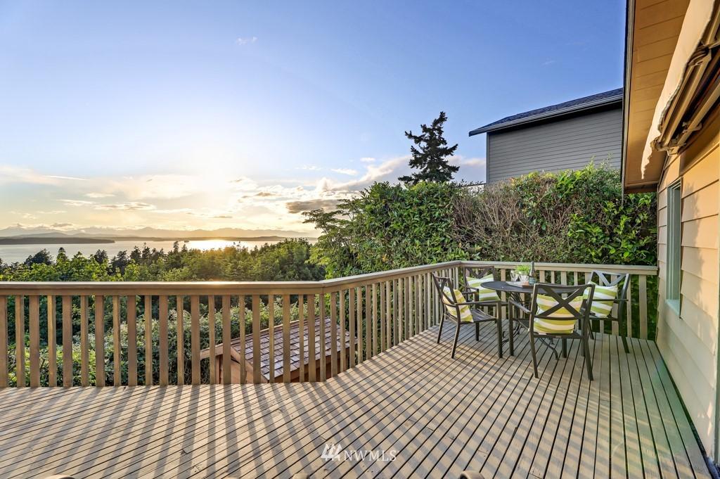 Sold Property | 7711 44th Avenue SW Seattle, WA 98136 8