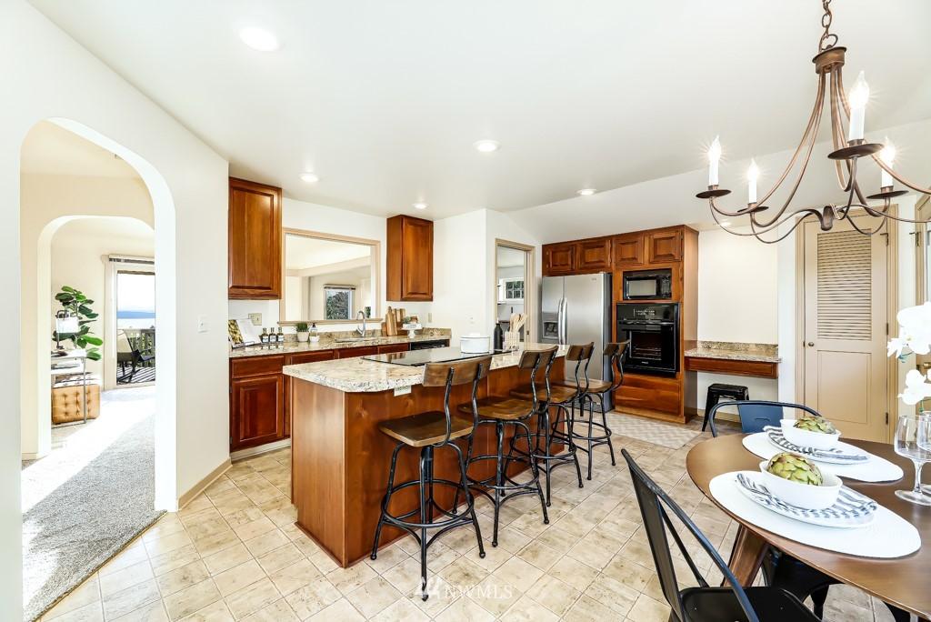 Sold Property | 7711 44th Avenue SW Seattle, WA 98136 11