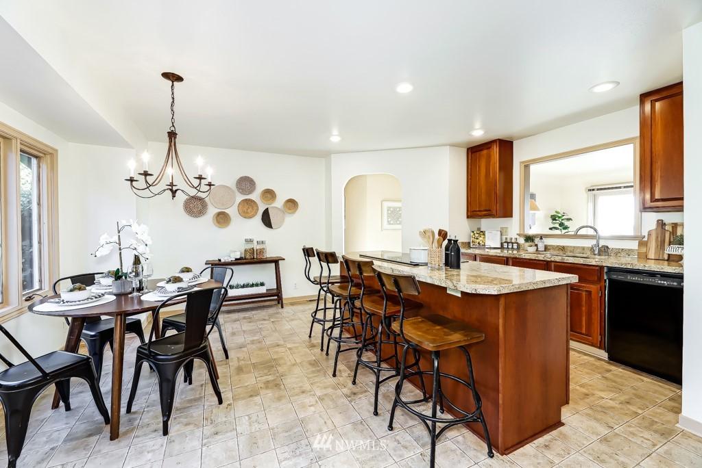 Sold Property | 7711 44th Avenue SW Seattle, WA 98136 12