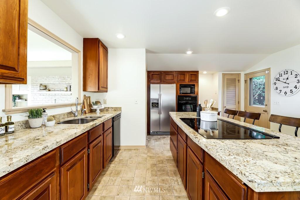 Sold Property | 7711 44th Avenue SW Seattle, WA 98136 13