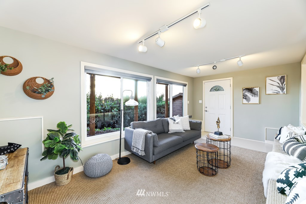 Sold Property | 7711 44th Avenue SW Seattle, WA 98136 24