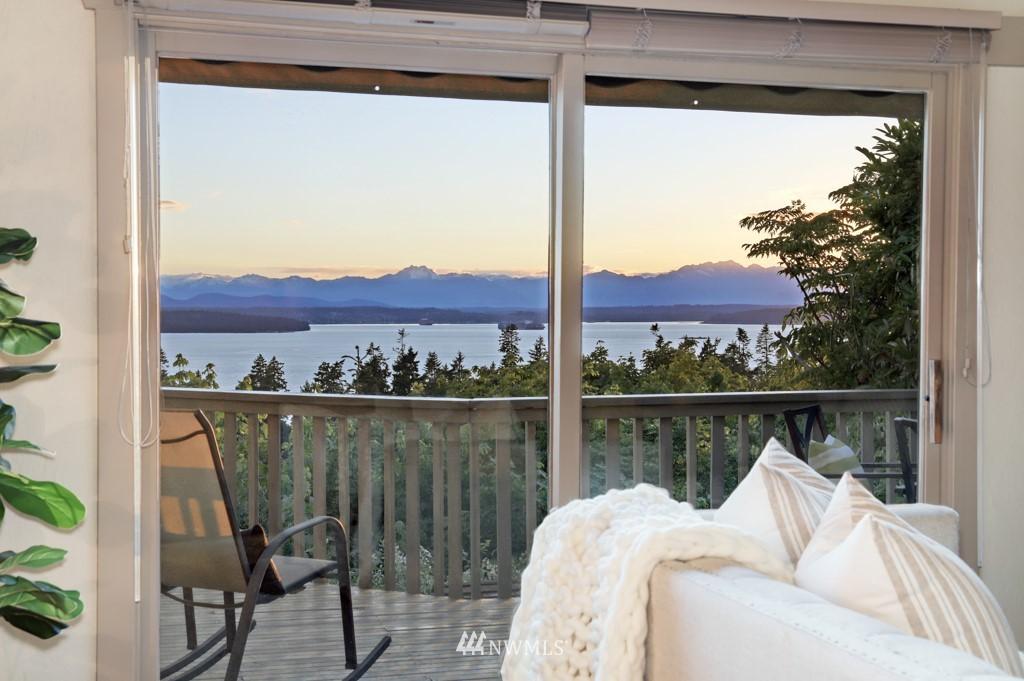 Sold Property | 7711 44th Avenue SW Seattle, WA 98136 6
