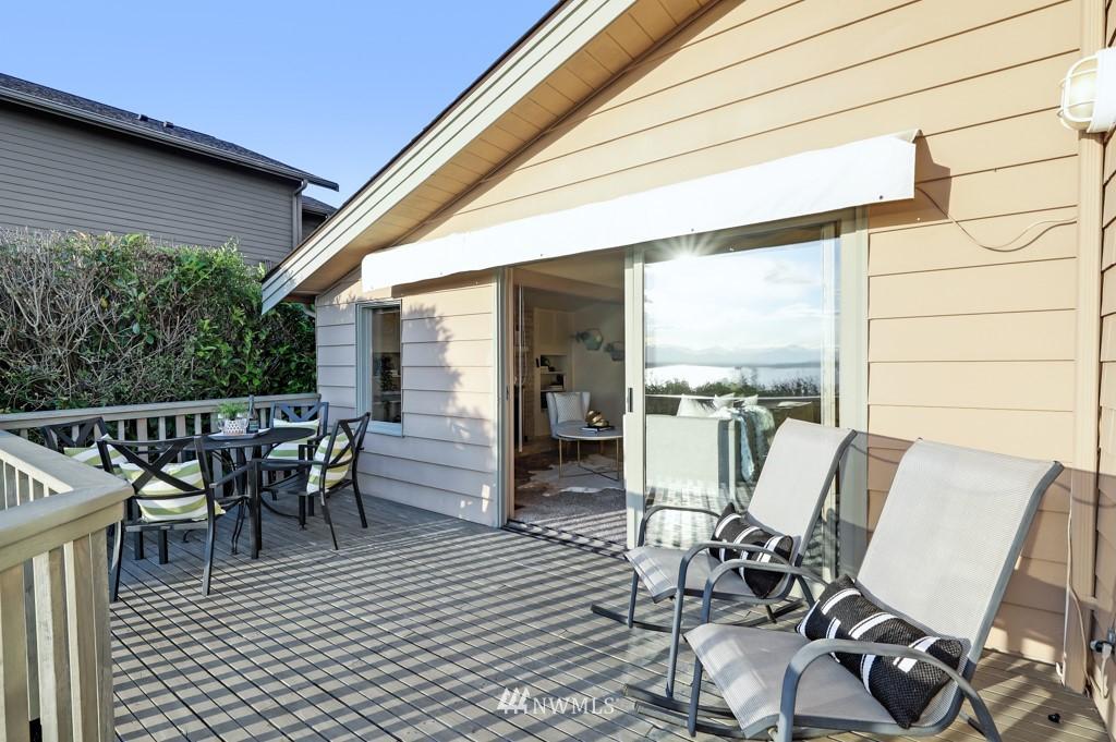 Sold Property | 7711 44th Avenue SW Seattle, WA 98136 9