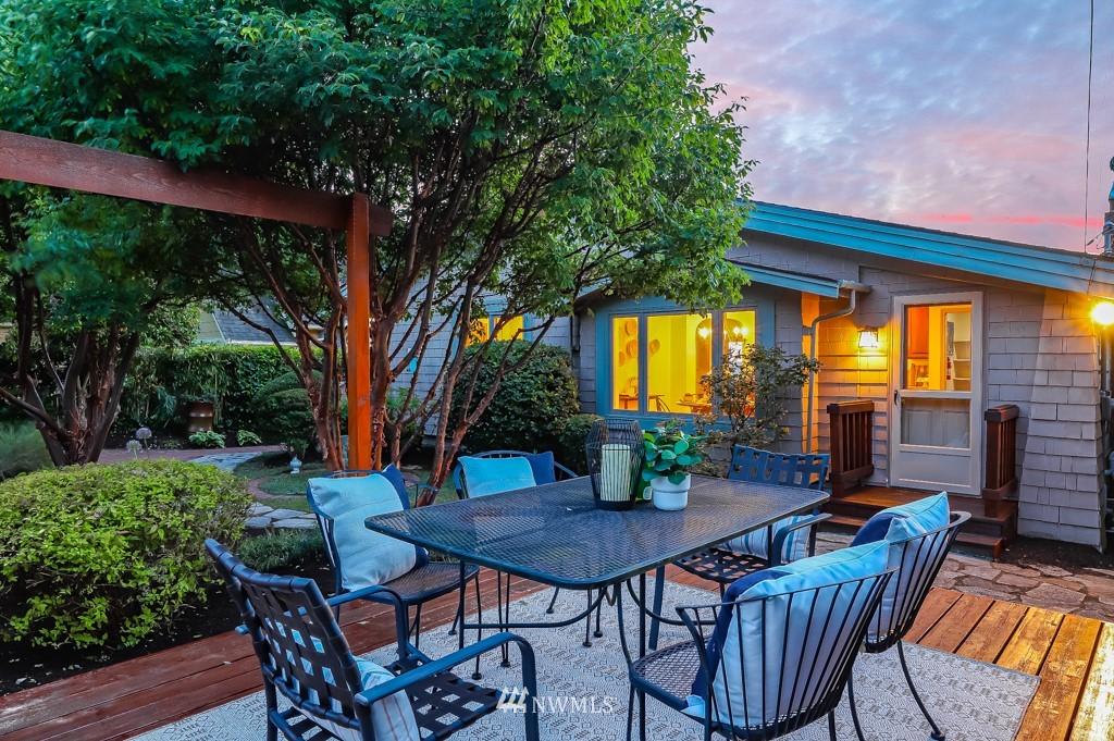 Sold Property | 7711 44th Avenue SW Seattle, WA 98136 32