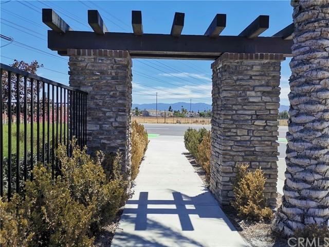 Closed   5969 Sendero Avenue Eastvale, CA 92880 1
