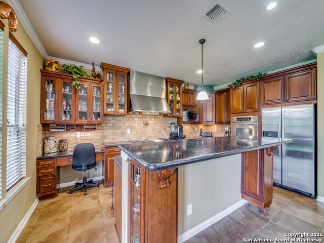 Active   109 CLEAR WATER Boerne, TX 78006 12