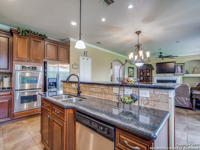 Active   109 CLEAR WATER Boerne, TX 78006 15