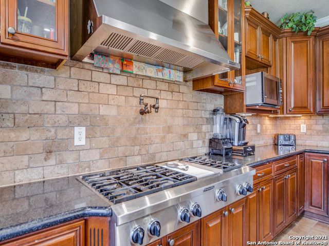Active   109 CLEAR WATER Boerne, TX 78006 16