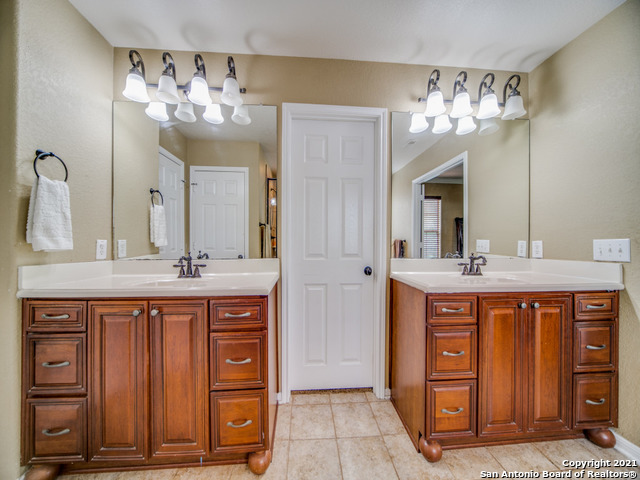 Active   109 CLEAR WATER Boerne, TX 78006 29