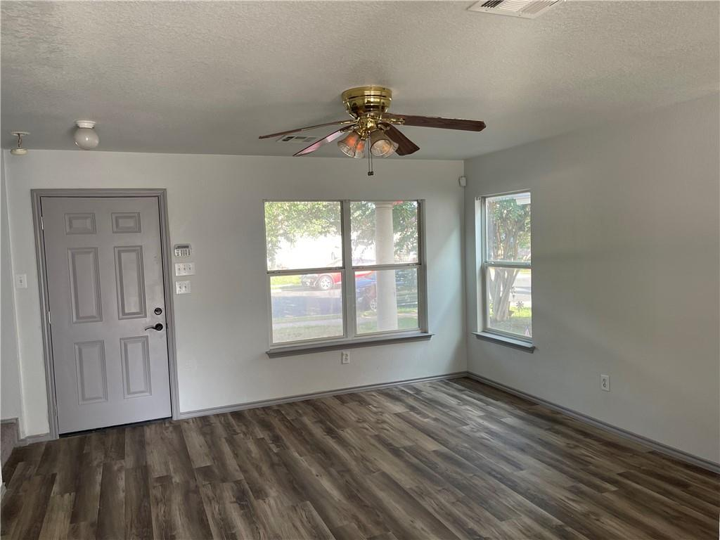 Active | 5612 Man O War Stretch Drive Del Valle, TX 78617 2
