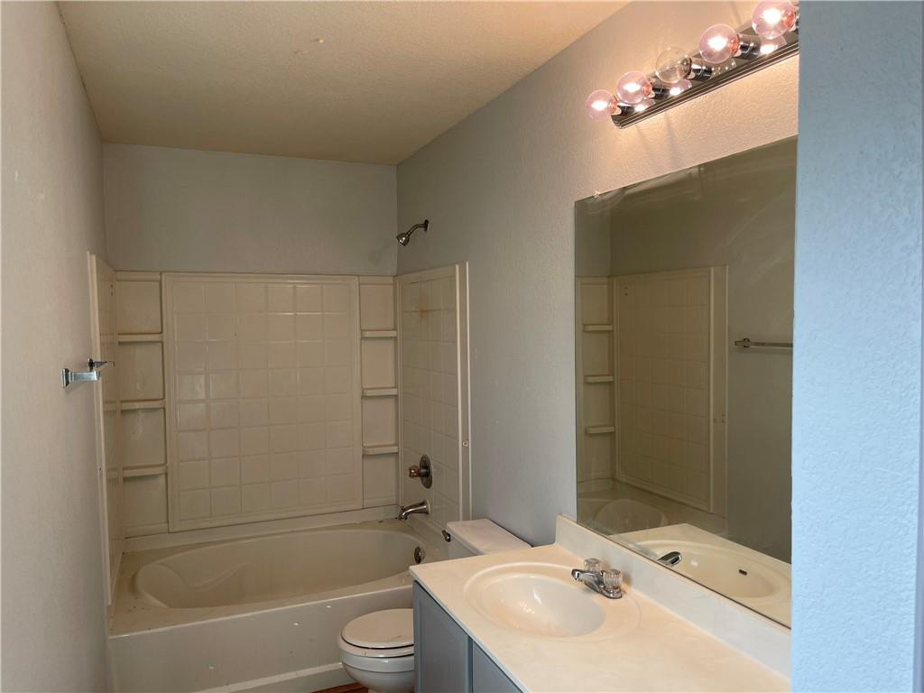 Active | 5612 Man O War Stretch Drive Del Valle, TX 78617 9