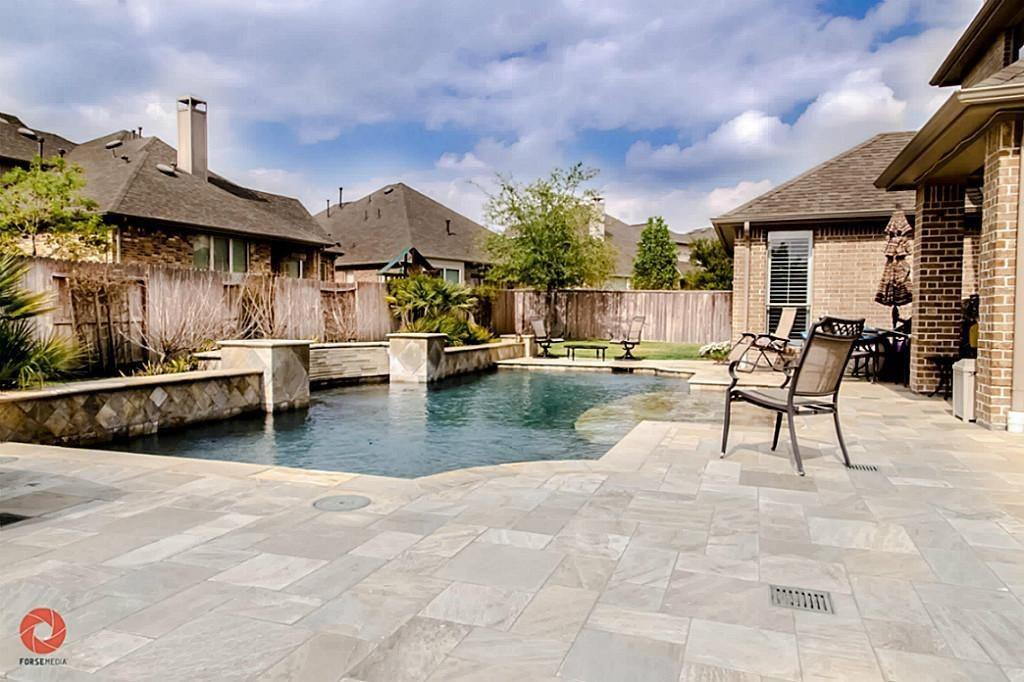 Pending   35 Winhall Place The Woodlands, Texas 77354 1