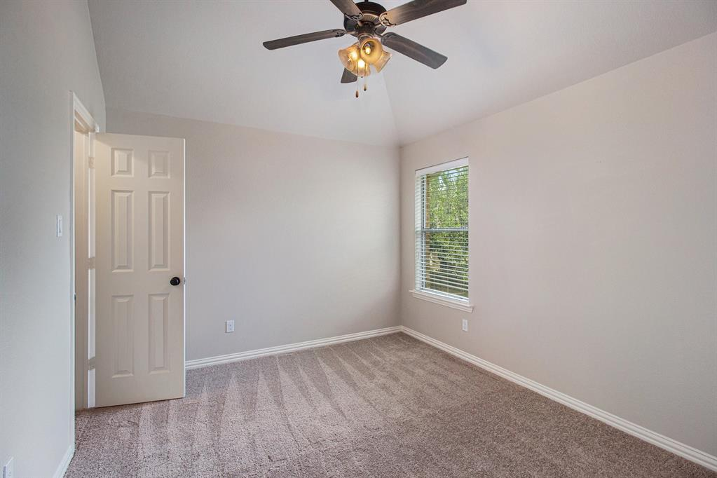 Pending   35 Winhall Place The Woodlands, Texas 77354 23