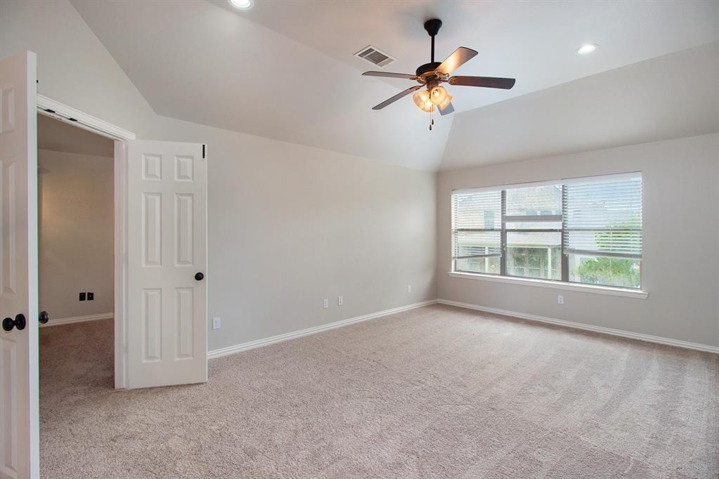 Pending   35 Winhall Place The Woodlands, Texas 77354 25
