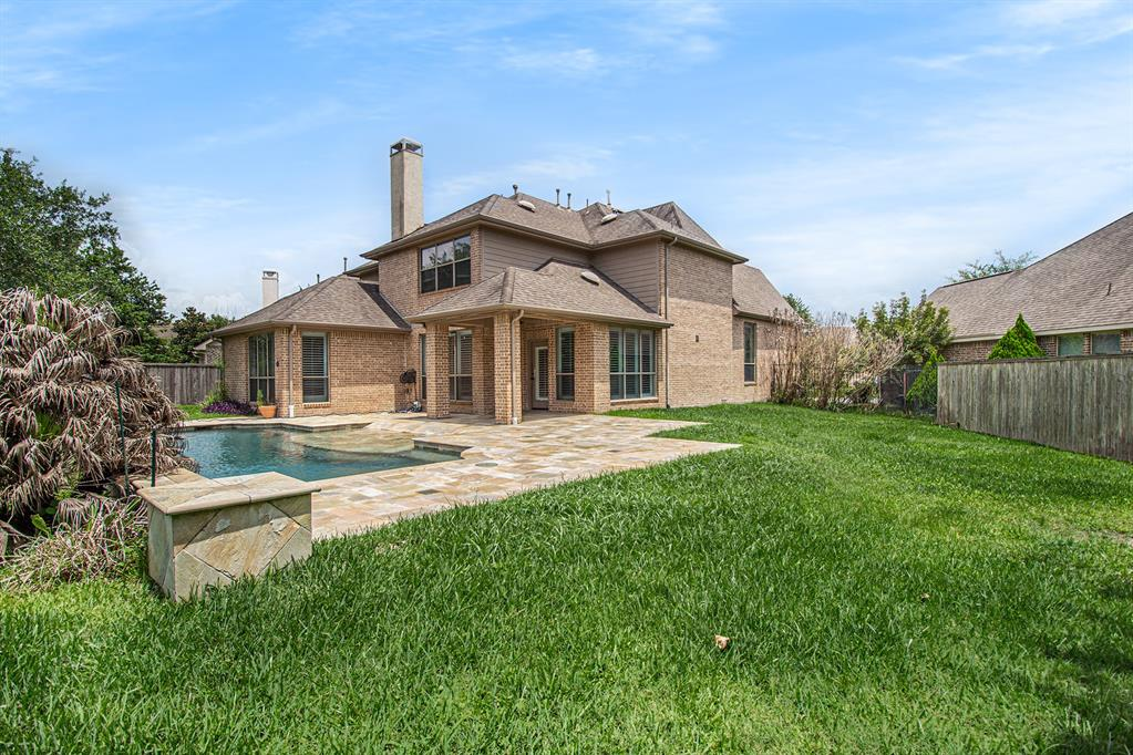 Pending   35 Winhall Place The Woodlands, Texas 77354 28
