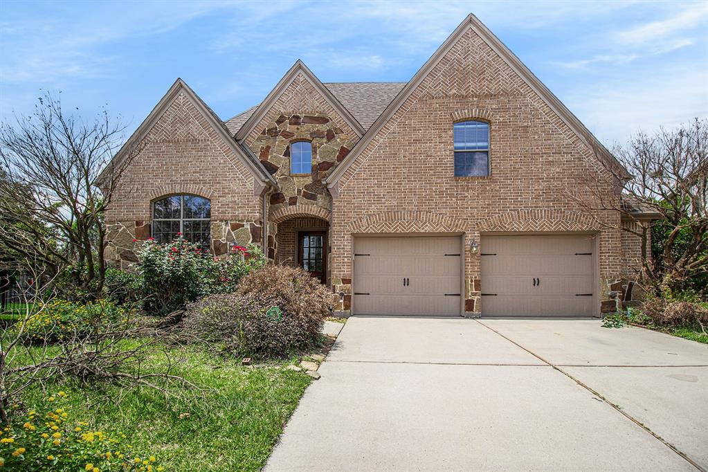 Pending   35 Winhall Place The Woodlands, Texas 77354 31