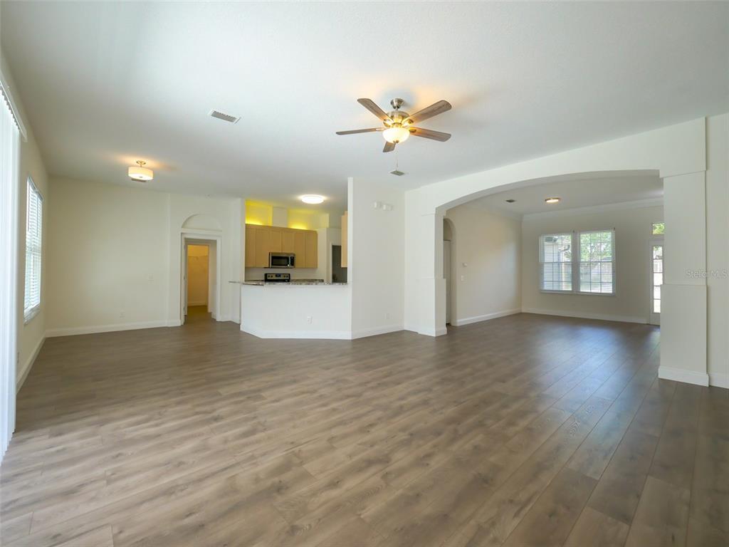 Pending   9804 LA VONDA STREET RIVERVIEW, FL 33569 10