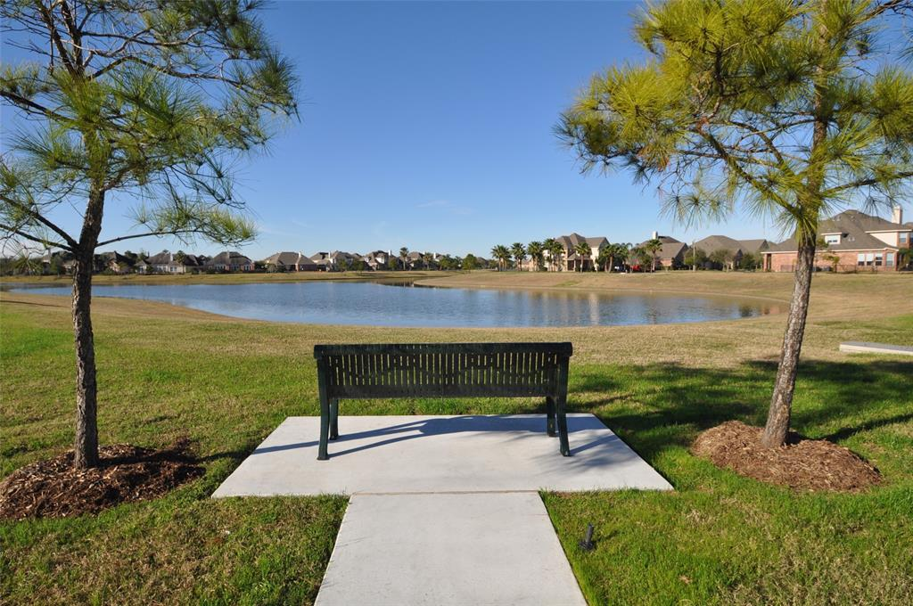 Pending | 852 Shoal Pointe Lane League City, Texas 77573 9