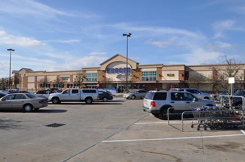 Pending | 852 Shoal Pointe Lane League City, Texas 77573 10