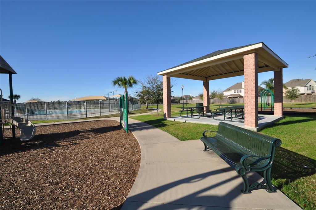Pending | 852 Shoal Pointe Lane League City, Texas 77573 38