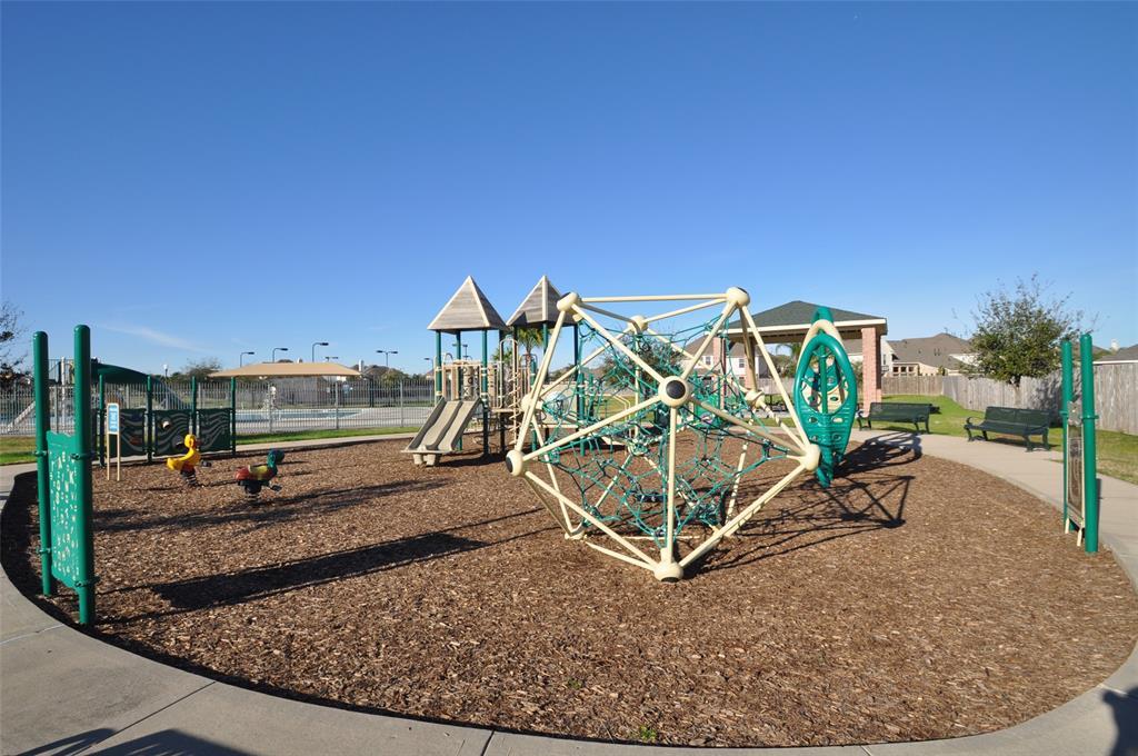 Pending | 852 Shoal Pointe Lane League City, Texas 77573 5