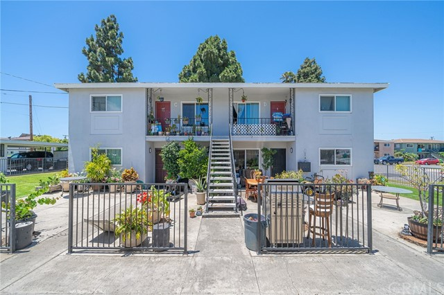 Closed | 7782 Barton Drive Huntington Beach, CA 92647 1