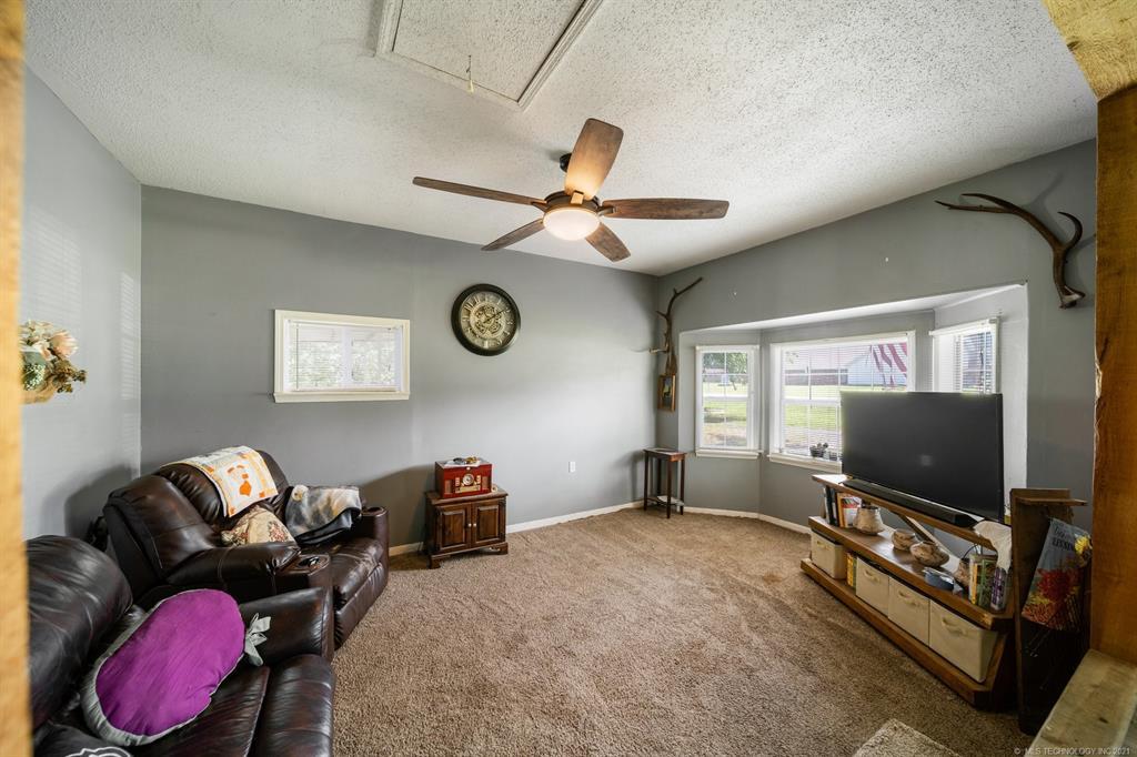 Off Market   215 S Locust Street Oologah, Oklahoma 74053 16