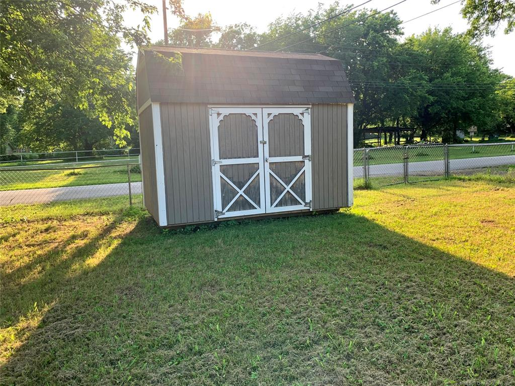Active | 601 Willard Stone Circle Locust Grove, Oklahoma 74352 18