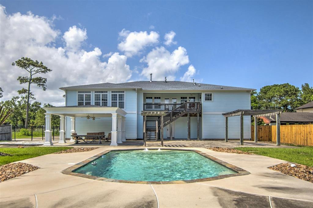 Pending   1003 S Country Club Drive Shoreacres, Texas 77571 10