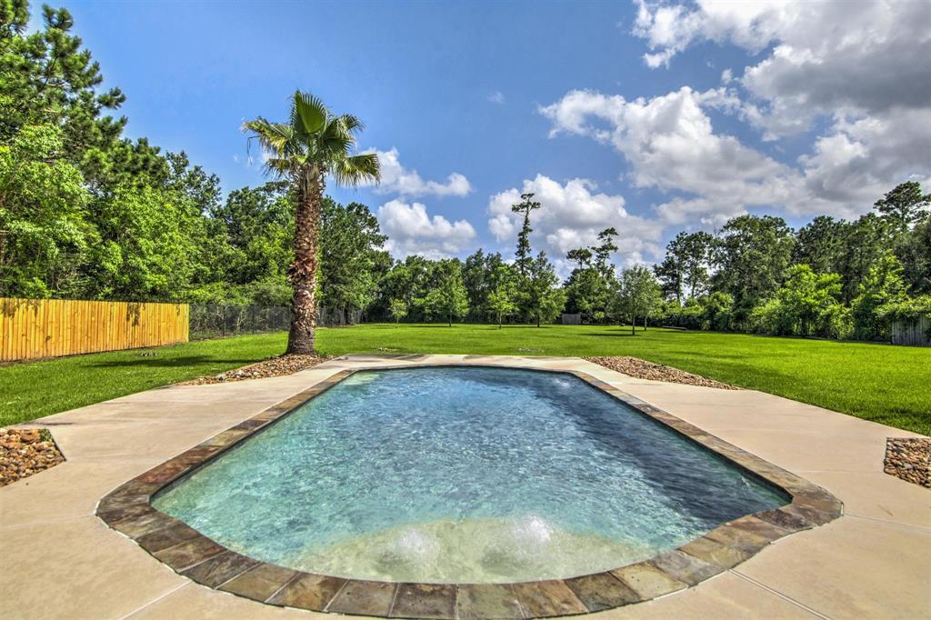 Pending   1003 S Country Club Drive Shoreacres, Texas 77571 11
