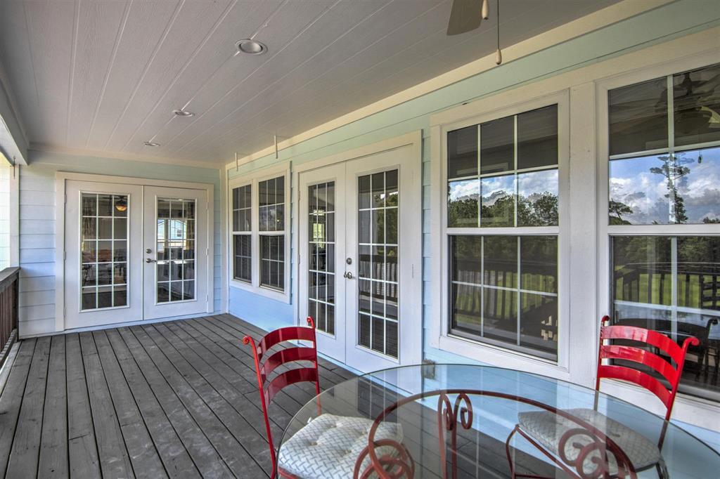 Pending   1003 S Country Club Drive Shoreacres, Texas 77571 27