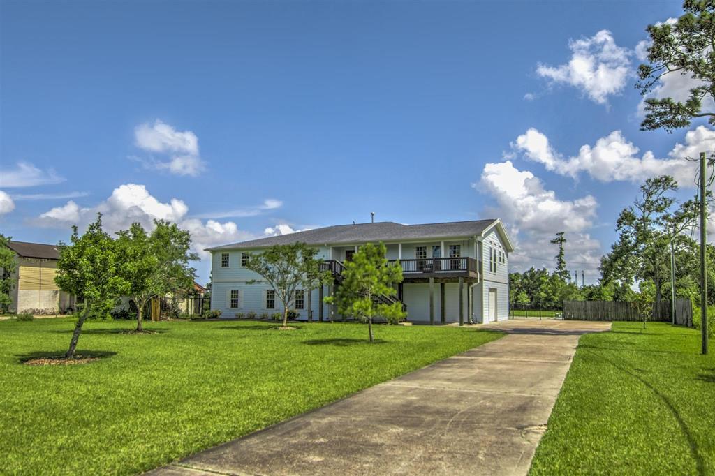 Pending   1003 S Country Club Drive Shoreacres, Texas 77571 37