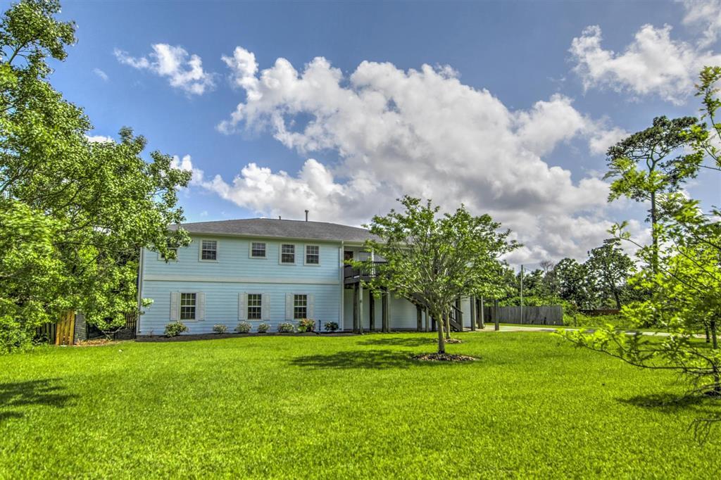 Pending   1003 S Country Club Drive Shoreacres, Texas 77571 4
