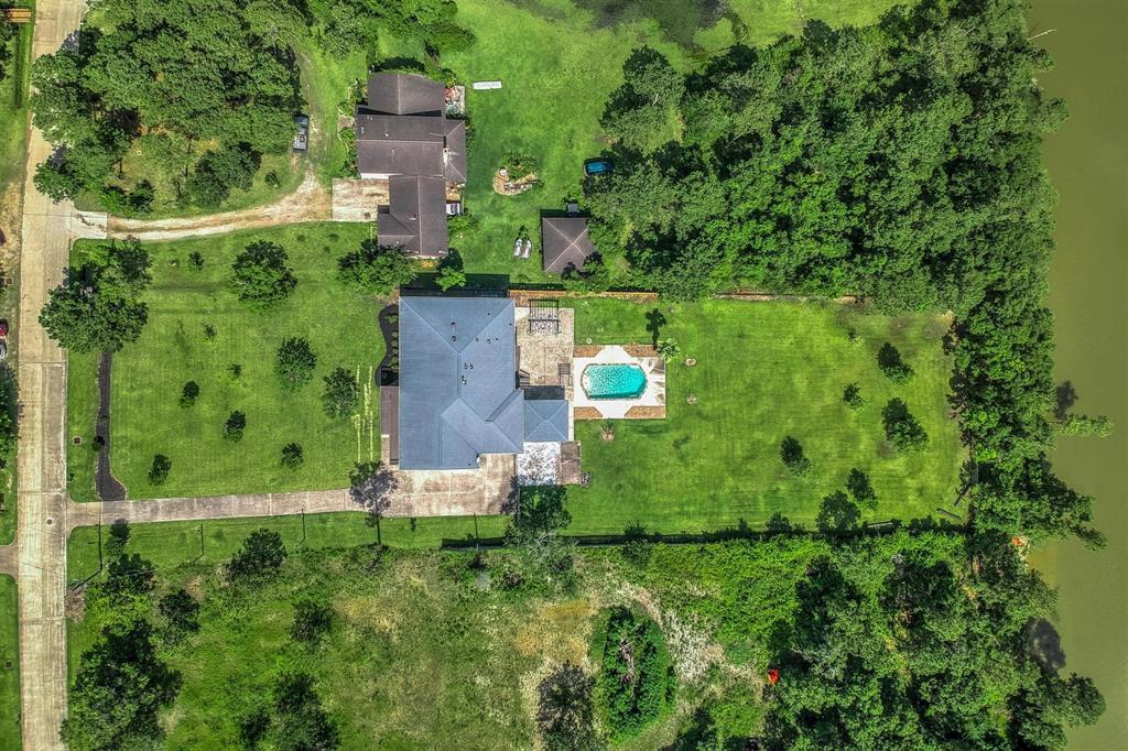 Pending   1003 S Country Club Drive Shoreacres, Texas 77571 47