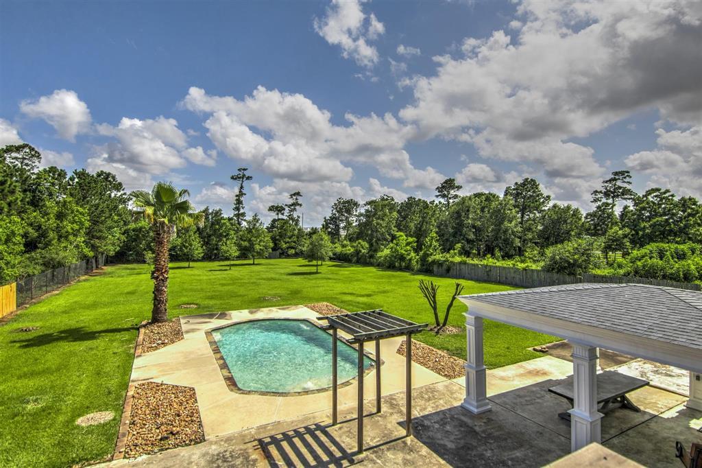 Pending   1003 S Country Club Drive Shoreacres, Texas 77571 8