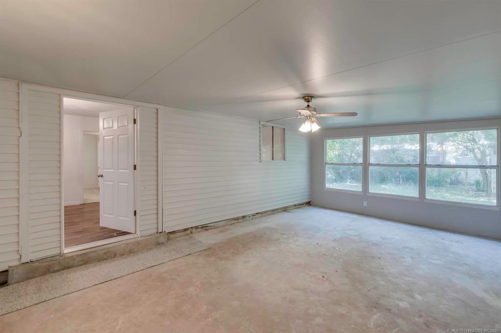 Homes in Catoosa School District   20536 E 3rd Street Tulsa, Oklahoma 74108 10