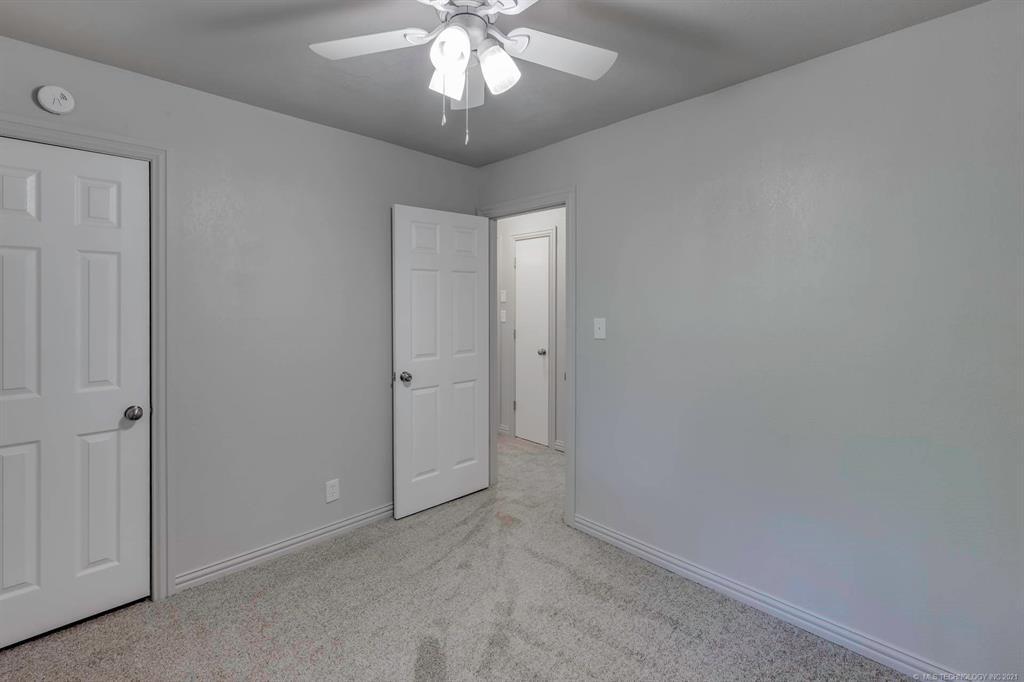 Homes in Catoosa School District   20536 E 3rd Street Tulsa, Oklahoma 74108 12