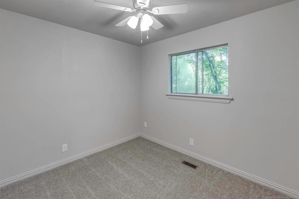 Homes in Catoosa School District   20536 E 3rd Street Tulsa, Oklahoma 74108 13