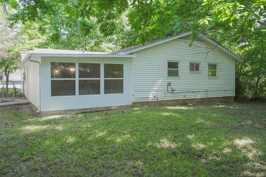 Homes in Catoosa School District   20536 E 3rd Street Tulsa, Oklahoma 74108 15