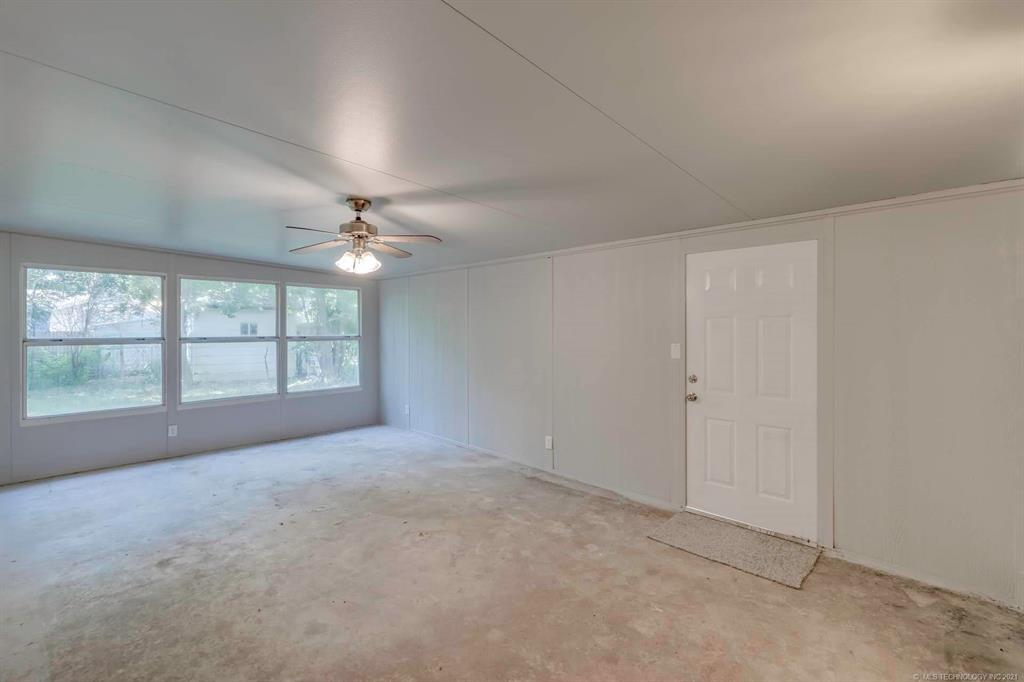 Homes in Catoosa School District   20536 E 3rd Street Tulsa, Oklahoma 74108 9