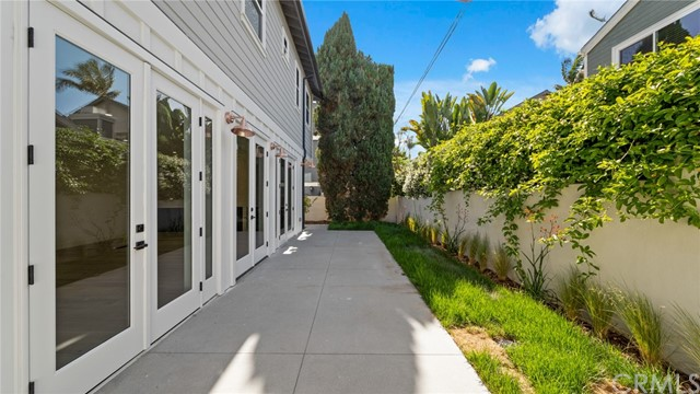 Active | 2421 Voorhees Avenue #B Redondo Beach, CA 90278 30